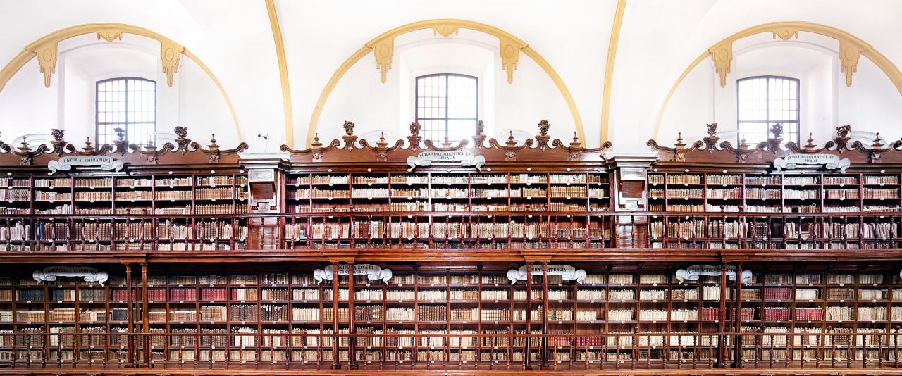 Biblioteca Palafoxiana Puebla I 2015  | Candida Höfer en México | Museo Amparo, Puebla