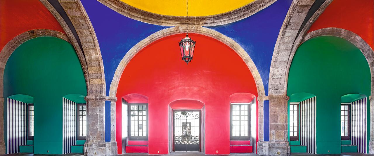 Hospicio Cabañas Capilla Tolsá de Daniel Buren trabajo in situ Guadalajara V 2015  | Candida Höfer en México | Museo Amparo, Puebla