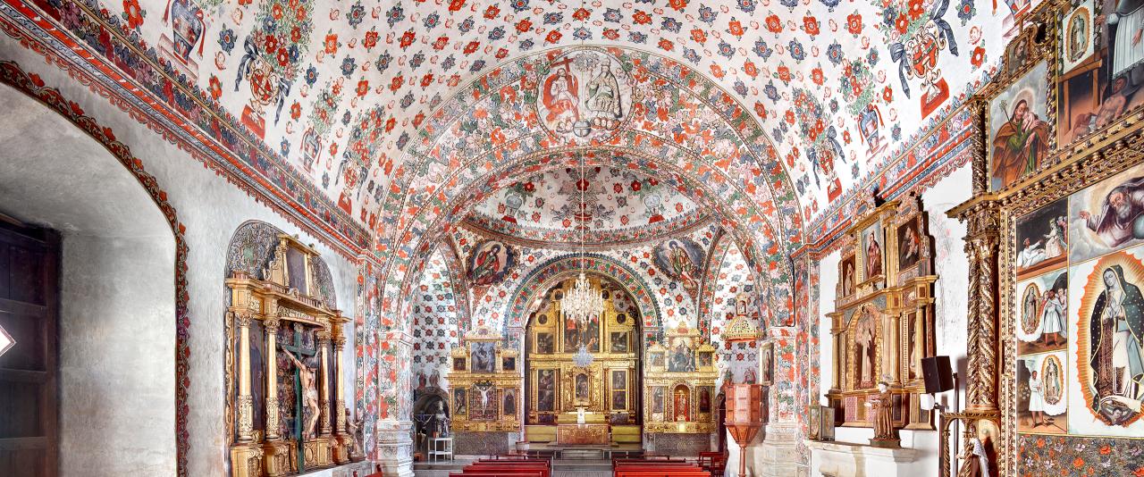 Iglesia de San Jerónimo Tlacochahuaya I 2015  | Candida Höfer en México | Museo Amparo, Puebla