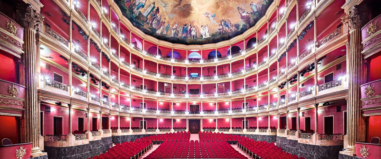 Teatro Degollado Guadalajara I 2015 | Candida Höfer en México | Museo Amparo, Puebla