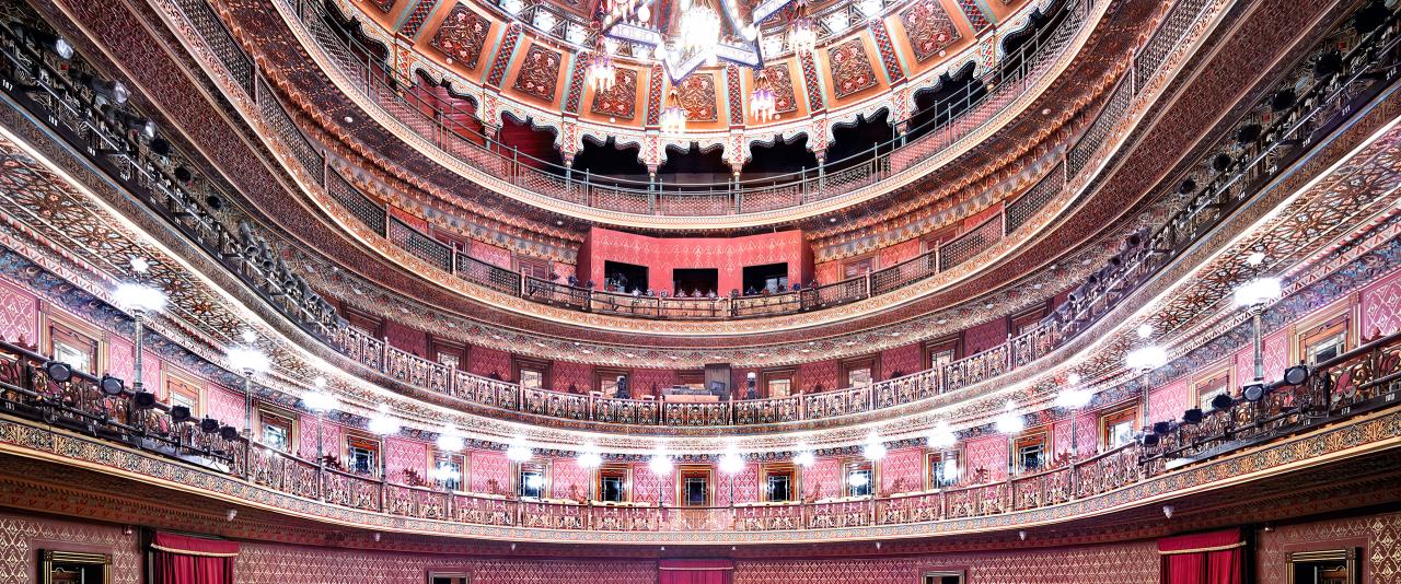 Teatro Juárez Guanajuato III 2015  | Candida Höfer en México | Museo Amparo, Puebla